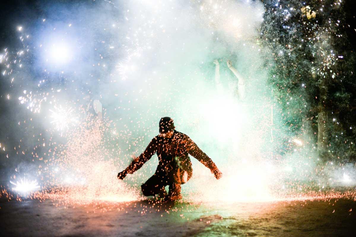 Atemberaubende Feuershows für Bühe und Events